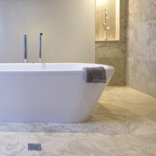 Natursteinarbeiten im Badezimmer